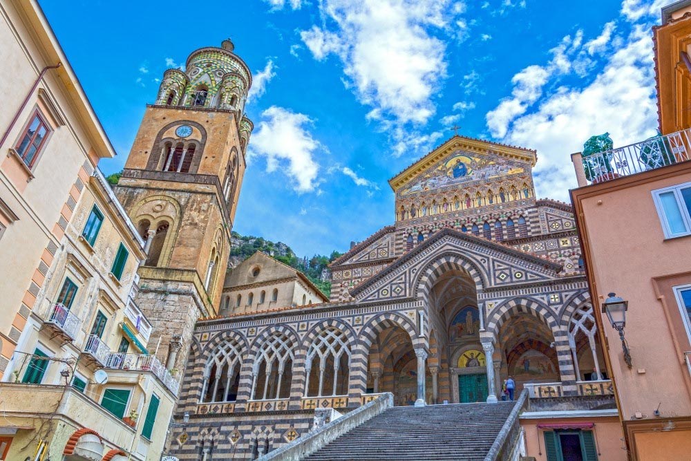 Amalfi Coast - Italy travel - Naples - Sorrento Capri - Domo20 Hostel luxury room