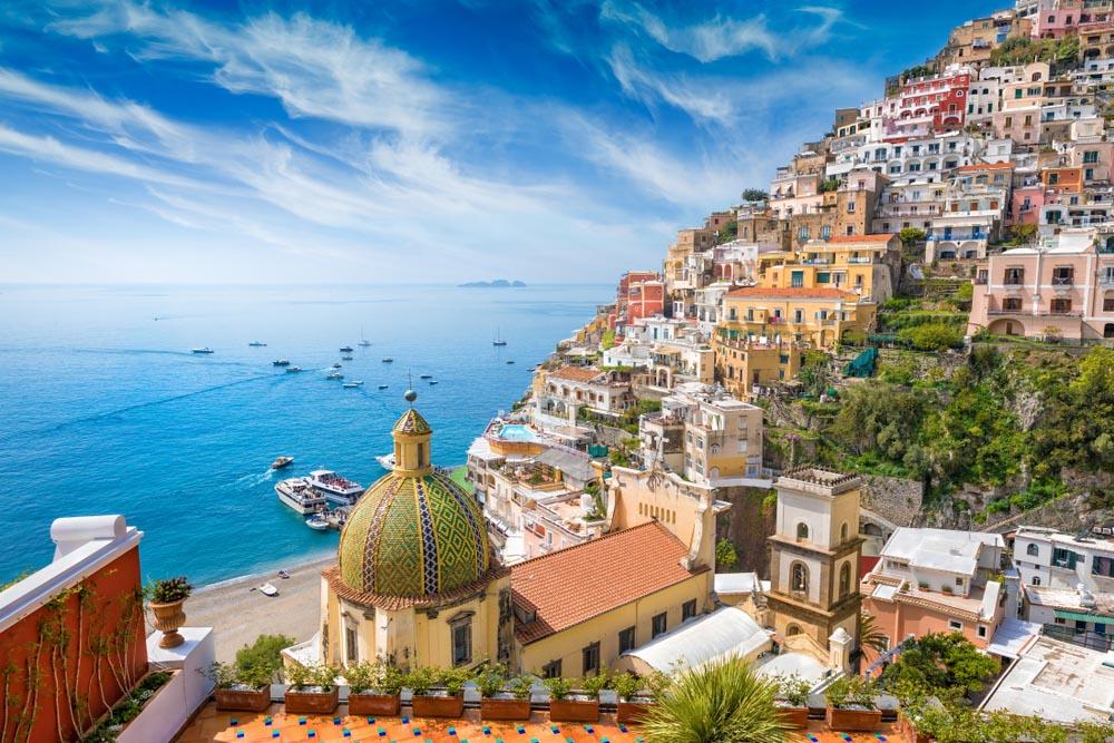 Positano - Beach in Positano - Costiera Amalfitana - Sorrento Amalfi coast - Italy Travel - Naples - Domo20 Hostel Luxury room